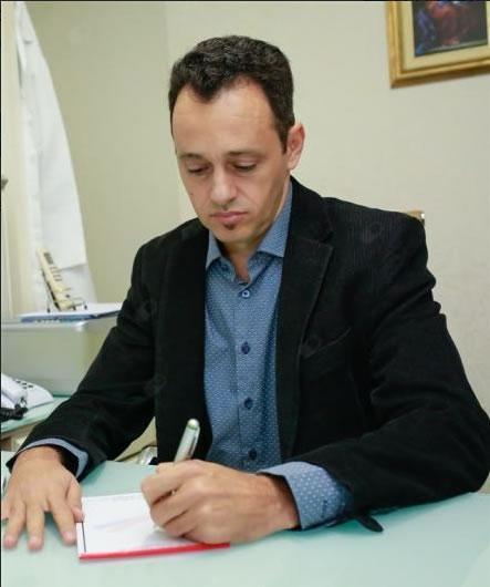 Dr. Marcelo Brito de Mesquita Leite